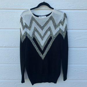 Urban Outfitters | oversized black & white sweater